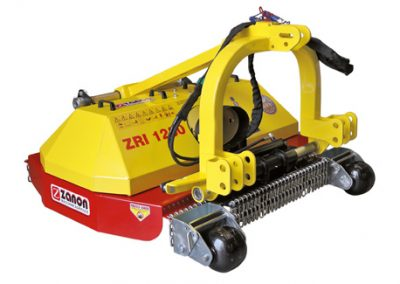 ZRI mower with hydraulic lateral movement